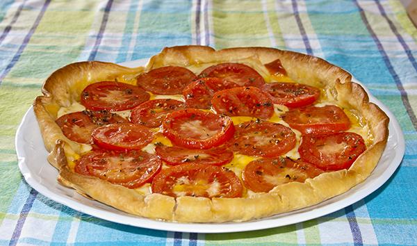 Hojaldre con tomante y mostaza