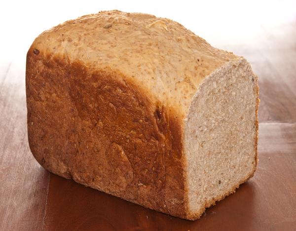Pan integral con pipas y sesamo